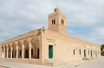 время в монастире тунис