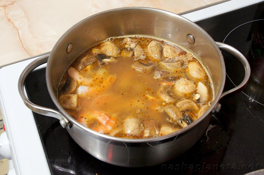 с для У есть видов курицы супа из трех консервы рисом путешественников