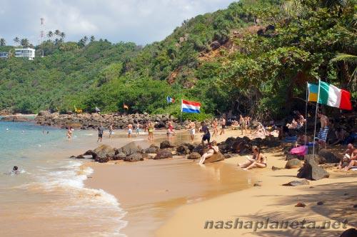 Пляж Джангл Бич в Унаватуне