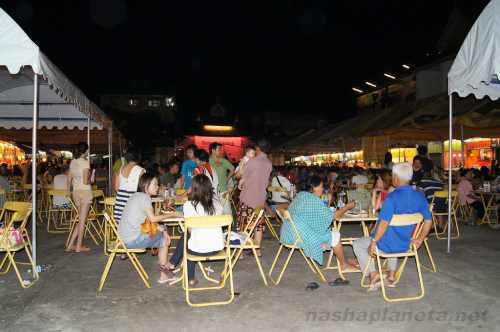 Ночной рынок Чианграя