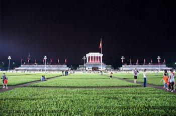 Мавзолей Хошимина во Вьетнаме