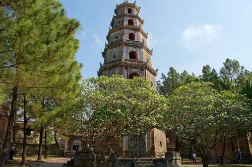 Thien Mu Pagoda в Хюэ (Вьетнам)