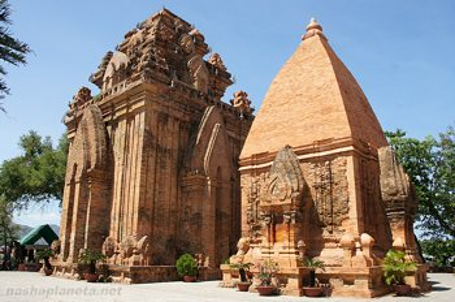 Руины храма во Вьетнаме
