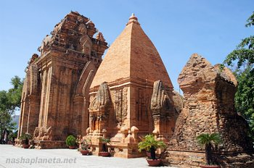 Чамские башни По Нагара, Нячанг, Вьетнам