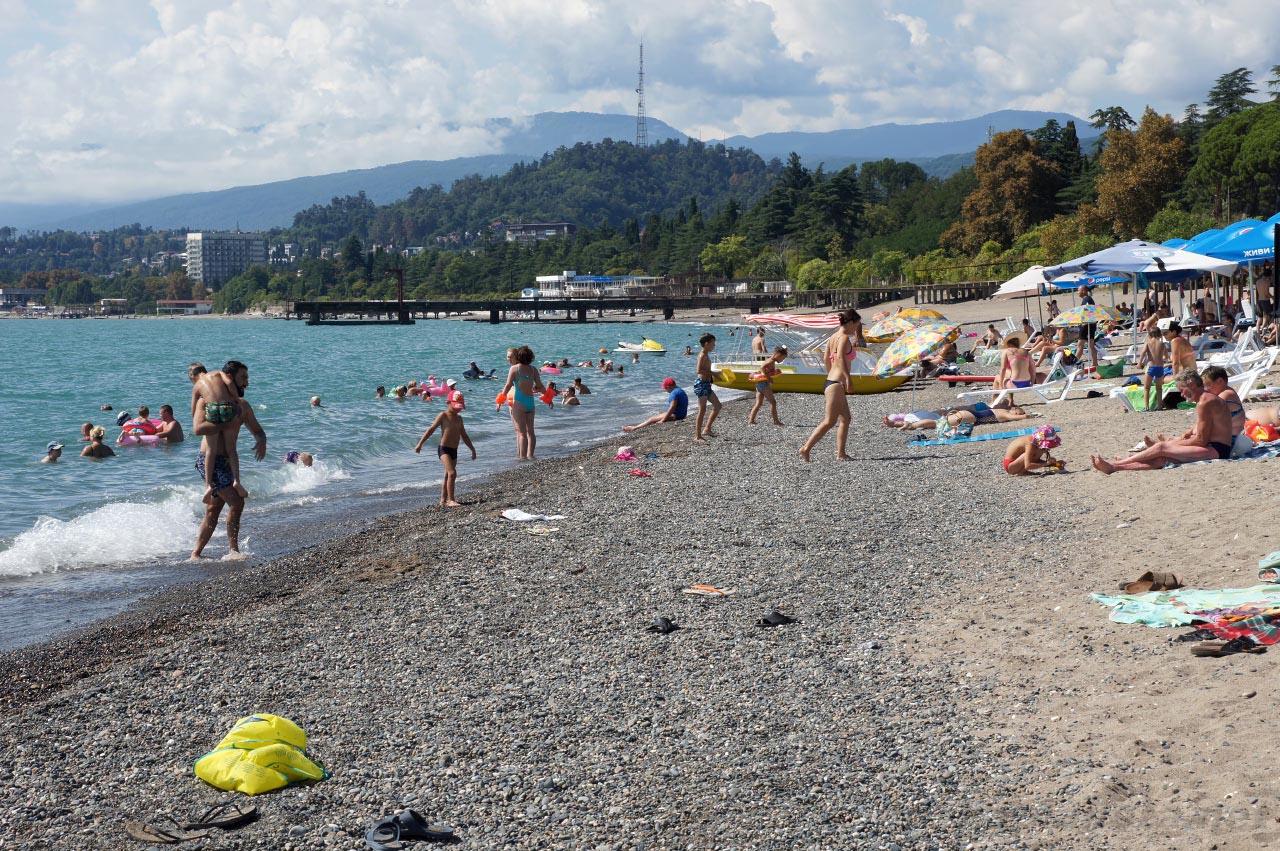 Абхазия фото отдыхающих на пляжах