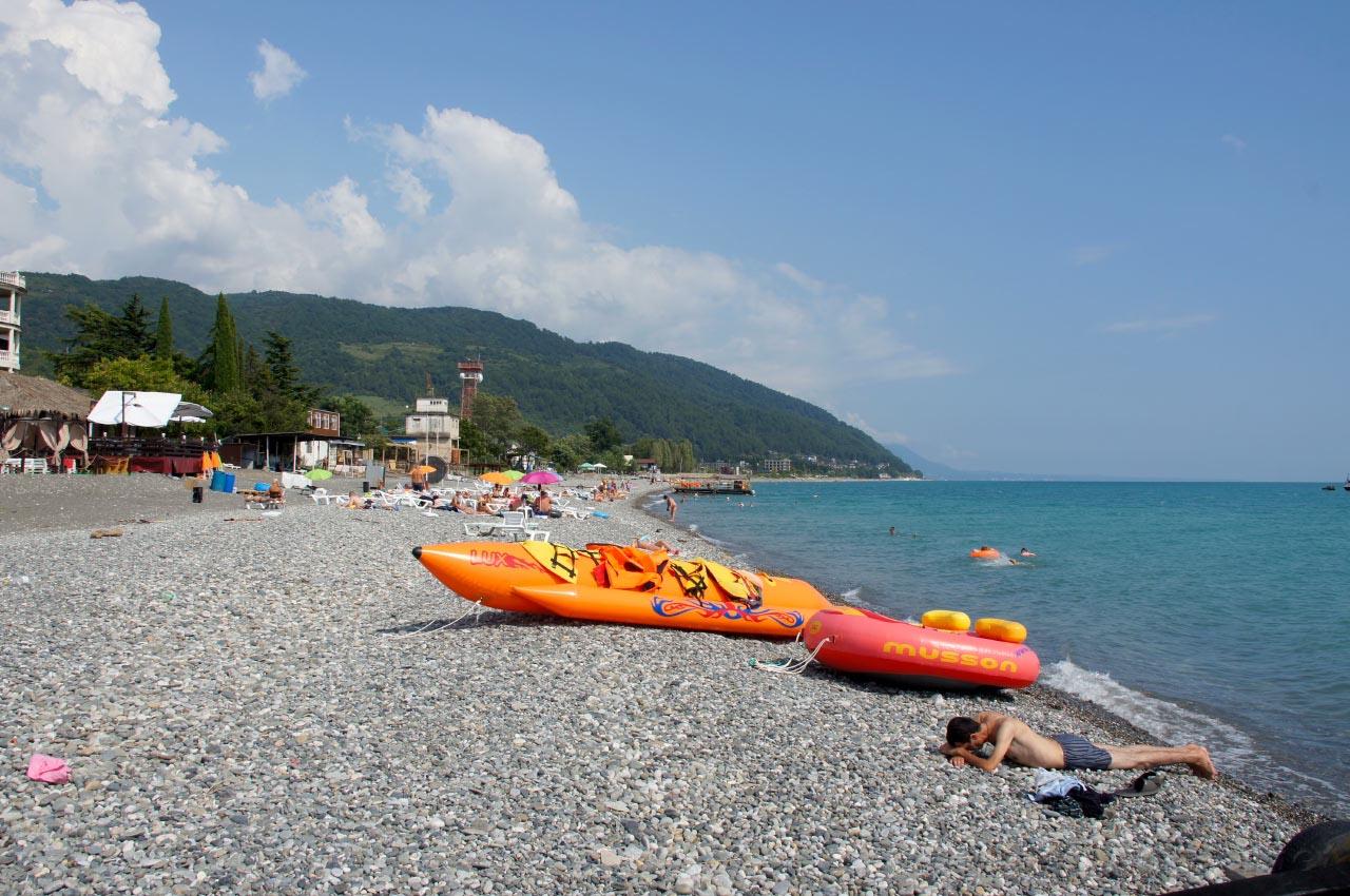Пляж в Абхазии, курорты