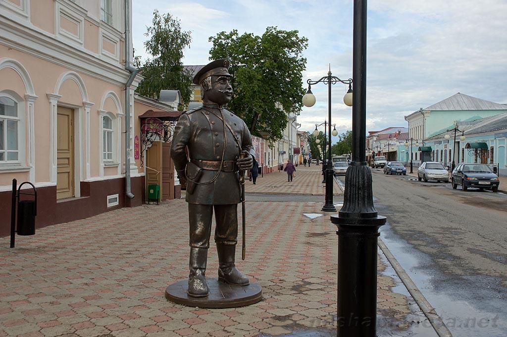 https://nashaplaneta.net/europe/russia/img_kazan/elabuga-ulica-kazanskaya6.jpg