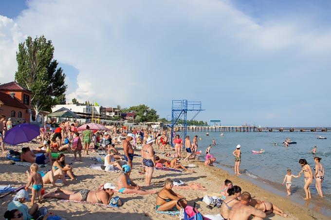 Центральный пляж в Евпатории, Крым