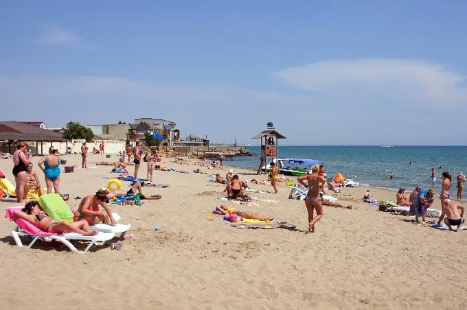 Пляж «Оазис» в Евпатории, Крым