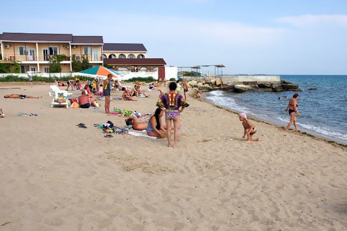 Пляж «Трехгорка» в Евпатории, Крым
