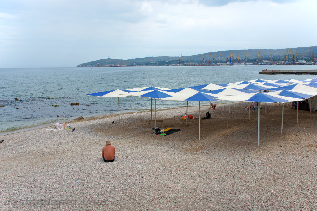 Пляжи Феодосии, фото с http://nashaplaneta.net/europe/russia/krim-feodosiya-pliaji.php